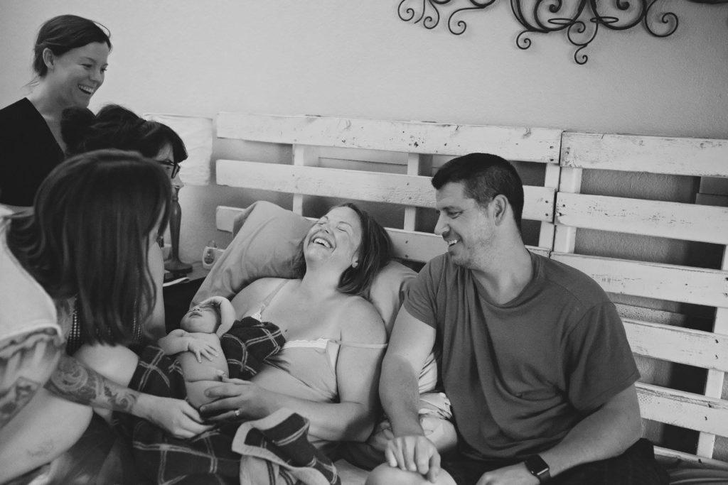 Naissance à domicile : connaître les avantages et les inconvénients