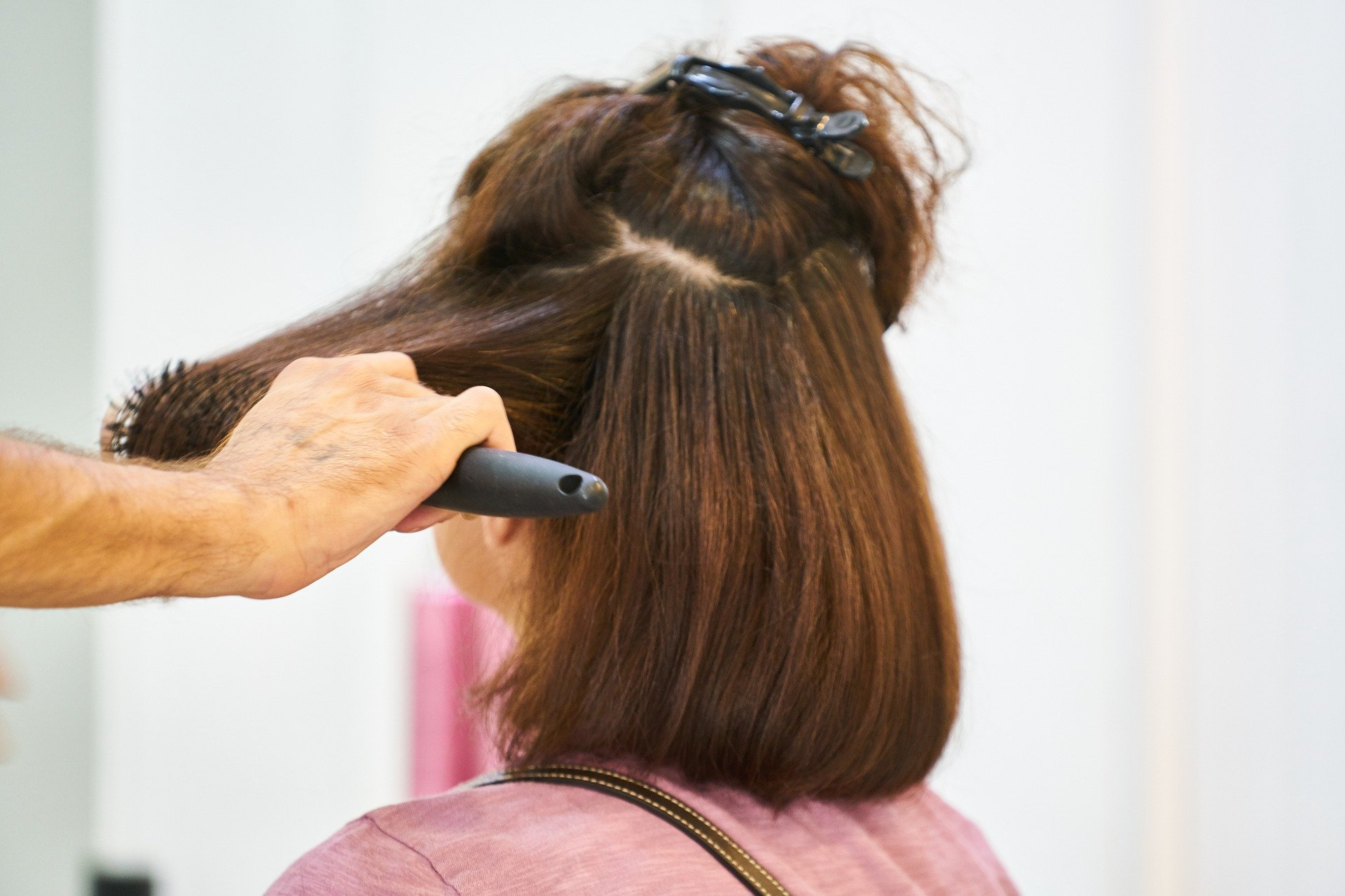 Les avantages de faire appel à un coiffeur à domicile
